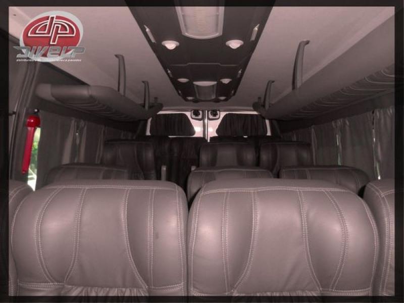 Aluguel de Vans com Motorista na Chácara Pirajussara - Transporte Corporativo em São Caetano