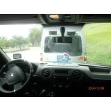 Van para transporte de passageiros na Vila Carolina