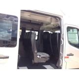 Van para transporte de passageiros no Conjunto Promorar Rio Claro