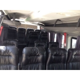 Van para transporte de passageiros no Jardim Adelaide