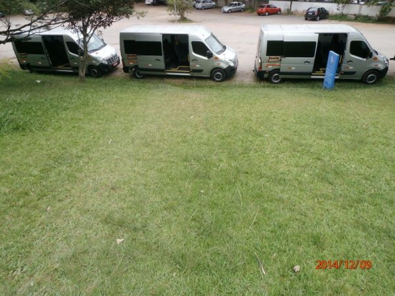 Vans com Motorista para Translado na Vila Gilda - Serviço de Translado